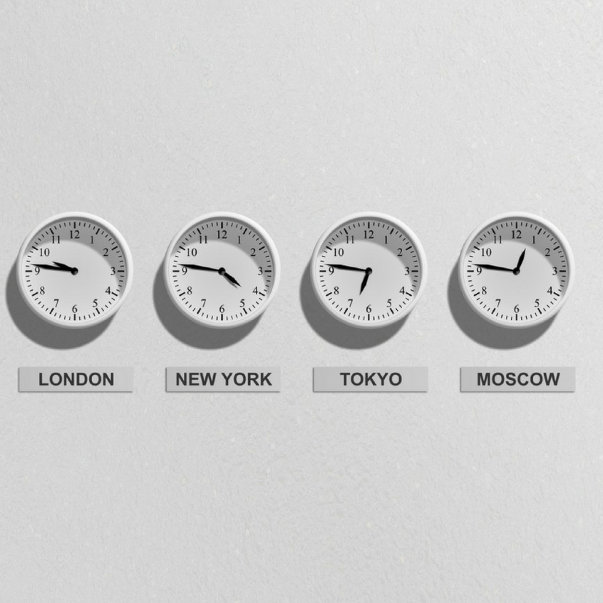 5 Tips for Working with a Copywriter in a Different Time Zone